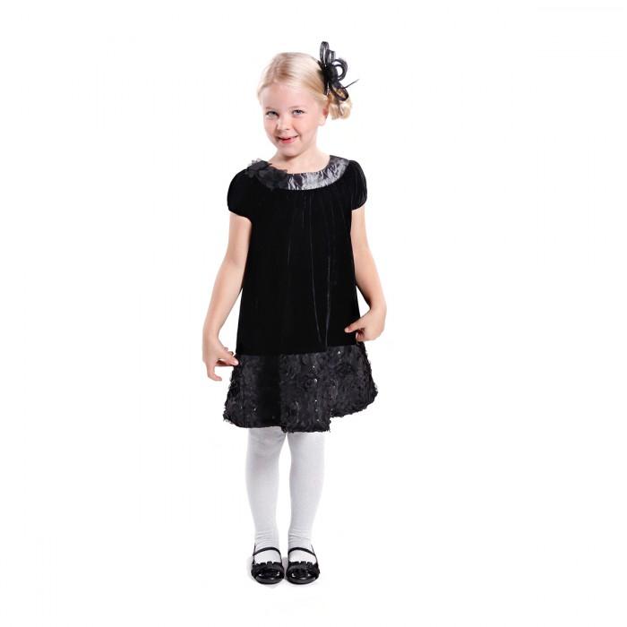 Девочка в бархатном платье